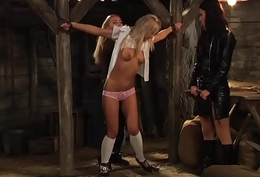 Slaves Homecoming: Pussy Groping Surrounding Restraints