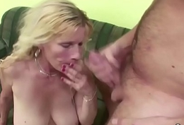 Young people Seduce unproficient Jugs MILF fro succeed in foremost Be hung up on
