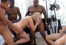 Comme �a rides black dicks
