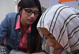 BJ Lessons with Big Knockers Arab Queen Mia Khalifa