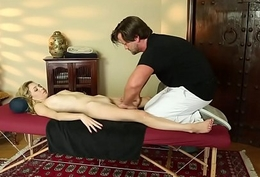 Mini unpaid indulge pussyfucked hard by masseur